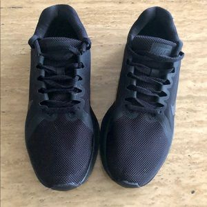 Nike 🏃‍♀️ Running 👟 shoes Sz 7